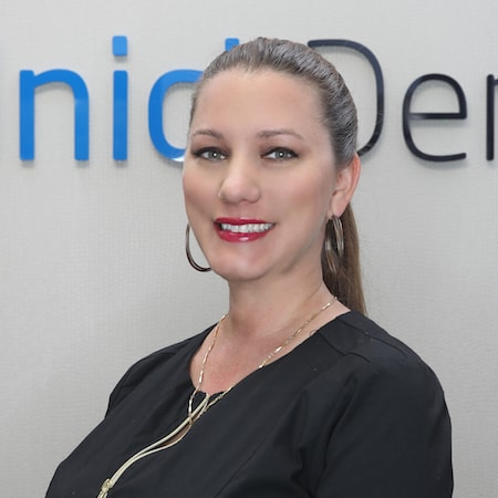 Jennifer office manager to one of the top dentists in Palm Beach Gardens